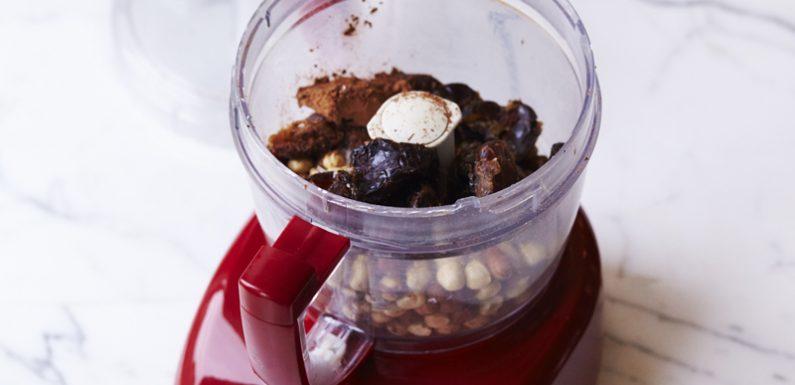 Prepare Healthy Ice Creams With Frozen Fruits!